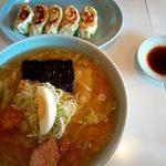 キッチンラーメン濱 - 料理写真:こってりみそラーメン880円餃子330円
