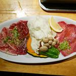 大地 - 肉盛り(小)¥1,800