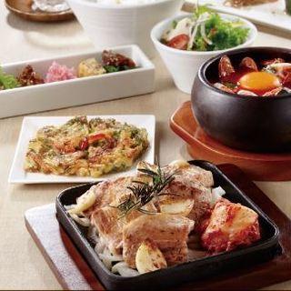◆季節野菜と自慢の肉料理をご一緒に…