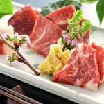 菅乃屋 - 料理写真:馬刺し