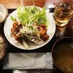 とり鉄 - 鳥もも肉の山賊焼き定食¥850-