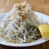 ジェット ベイカー - 料理写真:しらすサラダ