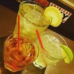 MKYアメリカンレストラン - ショートカクテルから飲みやすいロングカクテル、フローズンカクテルまでカクテルだけでも90種ご用意しております٩(ˊᗜˋ*)و