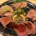 かしわ屋 - 肉刺盛り980円‼️