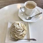 97057321 - モンブラン 490円(税込)                       コーヒー 300円(税込)                       (コーヒーはメニューには400円(税込)と書いてありましたがセット割引?!)