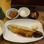 魚がし - 特大サバの文化干し定食(800円)。