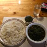 インド料理店グローリー&バー - マトン・パニール・サーグカレー&バスマティライス