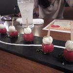 イタリアン カフェ&ワインバル GB 立川店 - プチトマトとチーズのカプレーゼ