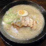 高知ジェントル麺喰楽部 - 料理写真:こってりニンニクらーめん(醤油・太麺)