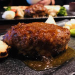97083507 - 肉料理も本格的だ!