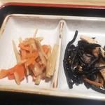 なか屋 - ヒジキ煮、筍・人参の酢漬け