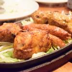 マーダル - かまど焼き盛り合わせ@1,880円:鶏肉、羊肉、メカジキ