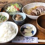 有楽堂 - 料理写真:自家製ローストポーク定食 700円税込価格