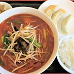 中華酒坊 王記餃子 - スーラー麺セット