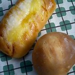 ボン・ボナ - (左)マヨシュガー90円(激ウマ☆)、(右)くるみパン70円