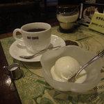 珈琲館シャガァル - コーヒー&アイスクリーム