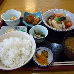 八洋 - 田舎煮定食850円