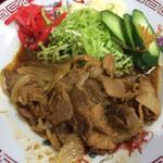 長寿庵 - ボリューム控えめに見えますが、食べるとご飯の箸が加速します。