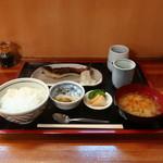 青田 - 料理写真:焼さば定食