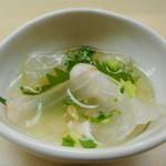 羽田市場 ギンザセブン - 白身魚の煎り酒蒸し ヒラメ昆布〆、クエ焼き