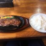 レストラン寿楽 - ライスと一緒!