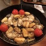 97105573 - わぁーぃ♪ 牡蠣とニョッキのアヒージョ^^