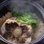 肉の炭火焼と土鍋ごはん だんらん居酒家HANA - 牛テール土鍋ごはん