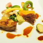 97109951 - 仏産ホロホロ鳥モモ肉のコンフィ マデラ酒ソース
