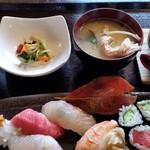 旨海寿 - 料理写真:すしランチ。