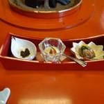 97111601 - 和田金三種盛(志ぐれ煮/季節のゼリーよせ/野菜のムース)
