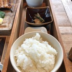 97116970 - ご飯と海老の味噌汁と魚の煮付けです