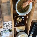 97116977 - 海老の味噌汁と魚の煮付けとご飯です