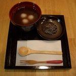 山口妙香園 - 白玉ぜんざい: 白玉の入った温かいぜんざいです。