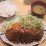 洋食屋 双平 - ミンチとロースの重ね揚げ定食:900円