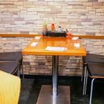 ソニア - ☆テーブル席の雰囲気(*^^)v☆