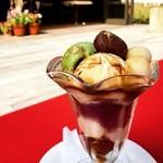 カフェ テロワール - 栗と抹茶アイスと白玉の和風パフェ