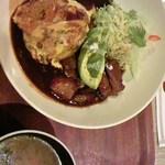 エニシ - 豚バラ肉と濃厚デミグラスソースのとろとろオムライス