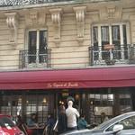 La Creperie de Josselin - 意外に回転が良いけど、お店の前には常に行列ができる人気ぶり