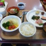 ホテル・アルファ-ワン - ある日の朝食