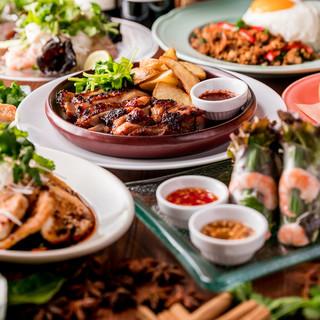 50種以上のアジア各国の料理と多国籍なビストロ料理。