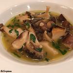エヴィエ - あわびとシャンピニオンのスープ