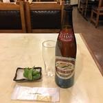 東都グリル - キリン大瓶とサービスの枝豆