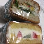 北海道ブラッスリー リラ - ラップで丁寧に梱包されてます♬︎手土産にも良さそう...♪*゚