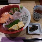 海鮮丼 福貫 - 料理写真:日替り目利き丼