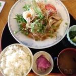 喫茶21番館 - 料理写真:豚生姜焼き定食