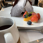 CAFÉ de ROMAN - そびえ立ちます!