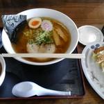 麺や小福六兵衛食堂 - 料理写真:小福醤油ラーメン+餃子+ミニカレー丼