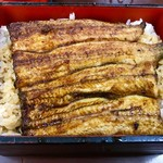 97157373 - 鹿児島県産鰻 大のうな重 @全景(^^)                       予約以外のお客さんは、注文した後生きた鰻から調理に入ります。約40分ほど時間がかかります。