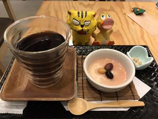 片岡 - レアチーズケーキセット830円(税込)