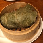 海鮮中国料理黄河 - 栗と鶏、椎茸、牛蒡のチマキおこわご飯
